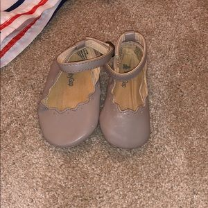 Baby gap girl shoes